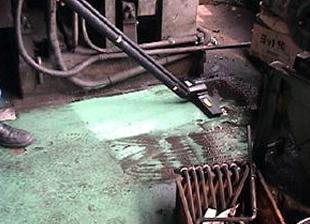 機械回りの脱脂洗浄事例
