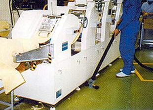 工場床の脱脂洗浄事例